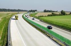 Landstraßenverkehr lizenzfreies stockbild