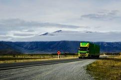 Landstraße zum aoraki mt kochen Sie Nationalparksüdinsel, neues zealan Lizenzfreie Stockfotografie