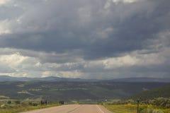 Landsväg i utah royaltyfria bilder