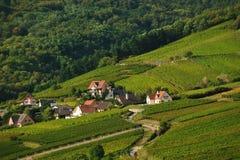 Landszene, wie von Kaysersberg-Chateau angesehen Stockbild