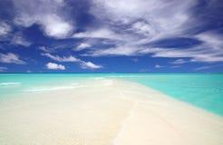 Landtong van een tropisch strand Royalty-vrije Stock Foto's