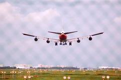 Landung Boeing-747 Lizenzfreie Stockbilder