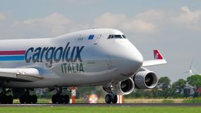 Landung Cargoluxs Italien Boeing 747 stock video footage