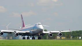 Landung Cargoluxs Italien Boeing 747 stock video
