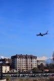 Landung des Flugzeuges in Adlers Flughafen Lizenzfreies Stockfoto