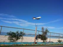 Landungsflugzeug lizenzfreie stockbilder