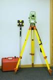 Landvermessen und -prisma Stockfotografie