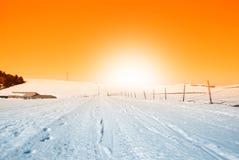Landweg omhoog de heuvel Royalty-vrije Stock Foto