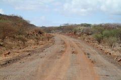 Landweggen in het noorden van Kenia royalty-vrije stock foto's