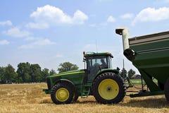 Landwirt im Traktor Lizenzfreies Stockbild