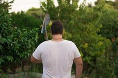 Landwirt mit Schaufel Stockfotografie