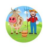 Landwirt nahe Kuh und Flaschen Milch Landwirtschaft und Landschaft Lizenzfreie Stockbilder