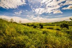 Landwirtschaft auf den Hügeln von Toskana und von Romagna Apennines lizenzfreie stockbilder