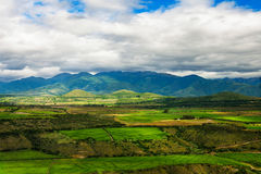 Landwirtschaft in den Vorbergen der Anden, Südamerika Stockbild