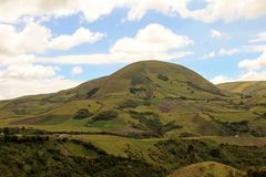 Landwirtschaft und große Höhe, die im Ecuadorian Anden, Ecuador bewirtschaften Lizenzfreie Stockfotos