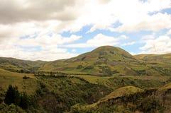 Landwirtschaft und große Höhe, die im Ecuadorian Anden, Ecuador bewirtschaften Lizenzfreies Stockfoto