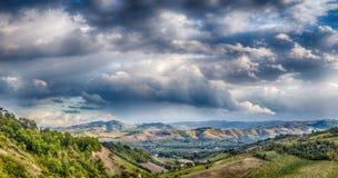 Landwirtschaft und Natur in Romagna-Hügeln Stockbilder