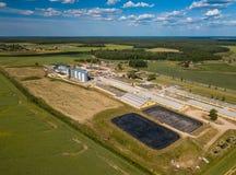 Landwirtschaftlich, Fabrikvogelperspektive Grünes Feld lizenzfreies stockbild