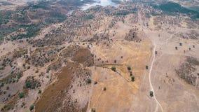 Landwirtschaftliche Landschaft der Luftaufnahme stock video