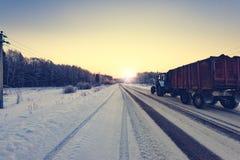 Landwirtschaftliche Straße des Winters Lizenzfreie Stockfotografie