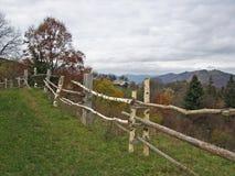 Landwirtschaftlicher Zaun. Stockfotos
