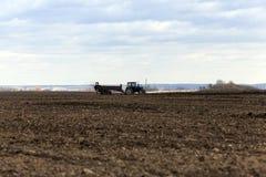 Landwirtschaftliches Feld des Düngemittels Stockfotografie