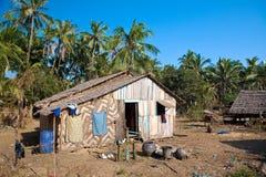 landwirtschaftliches Haus gebildet aus natürlichem Material heraus Lizenzfreie Stockfotos