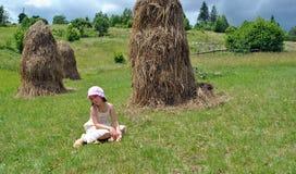 Landwirtschaftliches Mädchen lizenzfreies stockbild