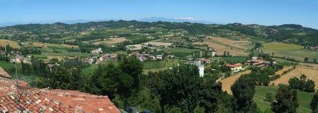 Landwirtschaftliches Panorama von Moncalvo Lizenzfreie Stockfotografie