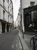 Laneway en París fotografía de archivo