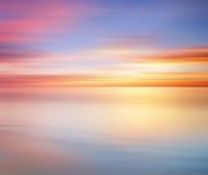 Lang Blootstellingseffect van kleurrijke zonsondergang voor achtergrond stock foto
