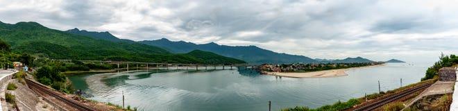 Lang Co Bay-Standpunktpanorama Vietnam stockfotos