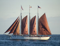 Lang rood schip Stock Foto's