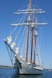 Lang Schip bij Dok Royalty-vrije Stock Afbeeldingen