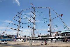 Lang schip in de Haven van Havana royalty-vrije stock foto's