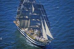 lang schip 100 die onderaan Hudson River tijdens de 100 jaarviering varen voor het Standbeeld van Vrijheid, 4 Juli, 1986 Stock Foto's