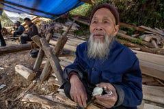 Langde Shang Miao Village, ovo antropófago chinês velho da galinha Fotografia de Stock