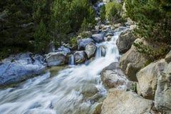 Lange Belichtung von Fluss Lizenzfreies Stockbild