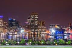 Lange Belichtungen während der Nachtzeit auf Bundeshügel in Baltimore, M lizenzfreie stockbilder