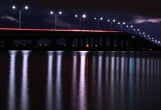 Lange Belichtungsbrücke stockfoto