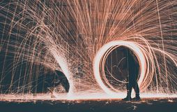 Lange Belichtungsphotographie der Stahlwolle lizenzfreies stockfoto