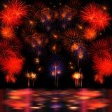 Lange Berührung der Feuerwerke Auswahl und des Reflectio Lizenzfreie Stockfotos