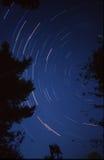 Lange Berührungsfotographie des nächtlichen Himmels Stockbild