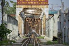 Lange Bien-brug in Hanoi, Vietnam Stock Afbeelding