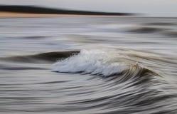 Lange blootstelling die van overzeese golven is ontsproten Royalty-vrije Stock Afbeeldingen