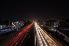 Lange blootstelling op de autosnelweg stock afbeelding
