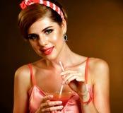 Lange cocktails op paty speld omhoog retro meisje royalty-vrije stock foto