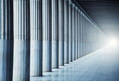 Lange colonnade Royalty-vrije Stock Foto's
