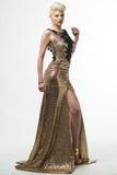 Lange de Manierkleding van de vrouwenschoonheid, Elegant Meisje in Gouden Toga Royalty-vrije Stock Fotografie