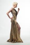 Lange de Manierkleding van de vrouwenschoonheid, Elegant Meisje in Gouden Toga Stock Afbeelding